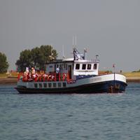 Organiseren van toeristische vaartochten voor publiek naar de weervisserij